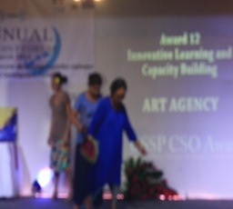 Carolyn Krieg Co Chair and Matatumua Leua Latai, mentor, technical advisor (and founder) of the Art Agency receiving their award at Le Tanoa last week